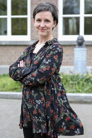 Esther Keymolen - Meet our PhD candidates - Research - Erasmus